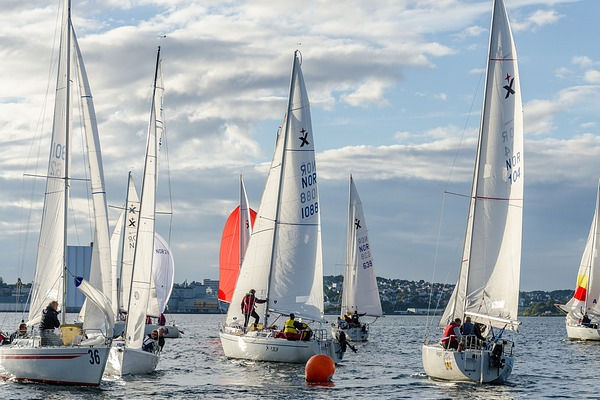 Sailing competitions during the opening season of SA Gavina apartments in Estartit