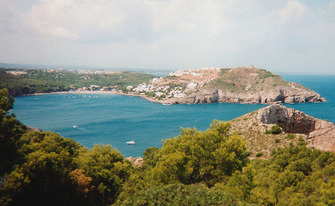 A street view of cala montgó of l'Estartit