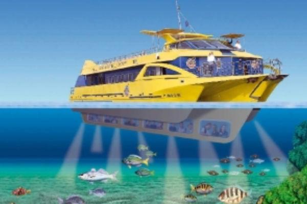 Glass bottom boat trips in Estartit
