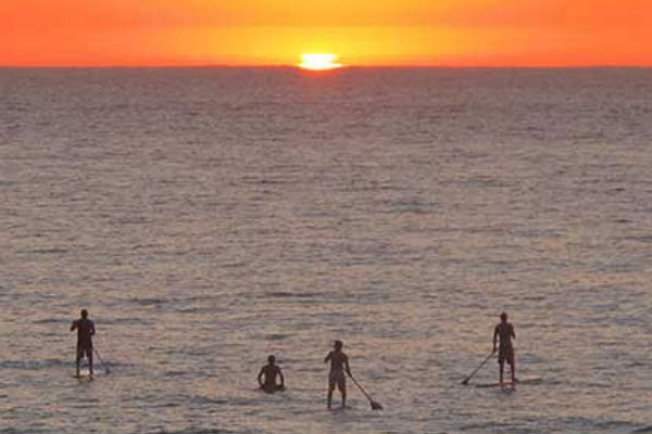 Paddle surf close to our rental apartments in Estartit