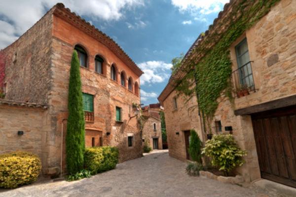 Medieval villages close to Estartit