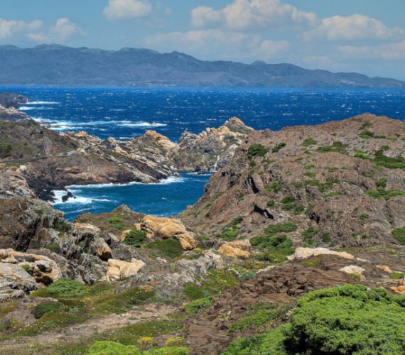 The first tourist guide for sailors on the Costa Brava – April 2021